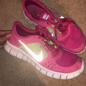 Nike pink youth gym shoe!